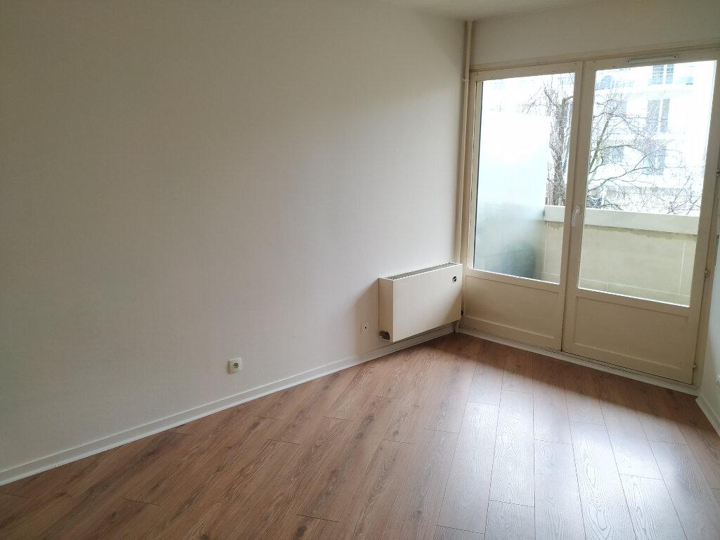 Appartement à louer 1 18.87m2 à Compiègne vignette-1