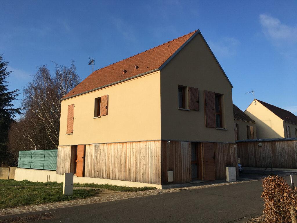 Maison à louer 4 91.93m2 à Saint-Sauveur vignette-1