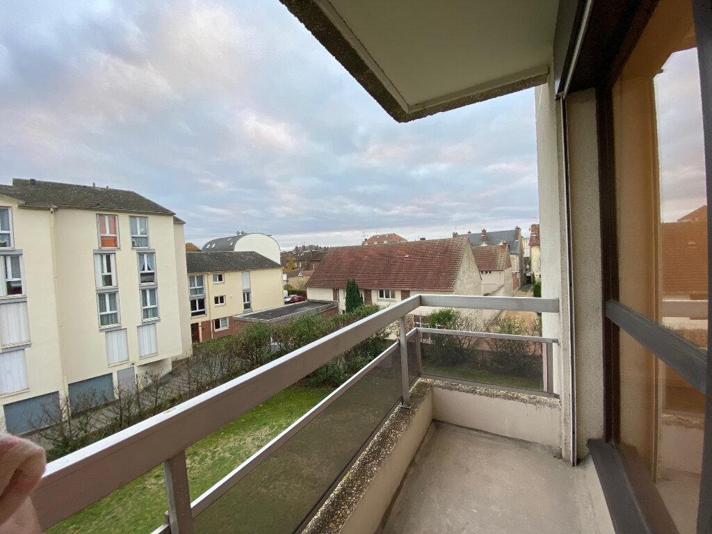 Appartement à louer 1 29.47m2 à Margny-lès-Compiègne vignette-1