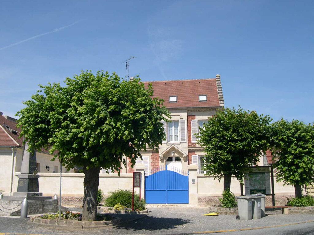 Appartement à louer 2 32.74m2 à Chevincourt vignette-1
