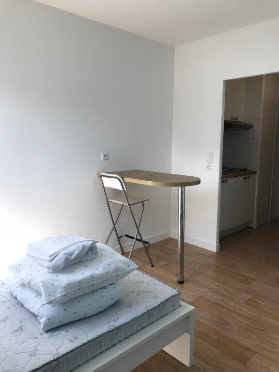 Appartement à louer 1 17.6m2 à Compiègne vignette-5