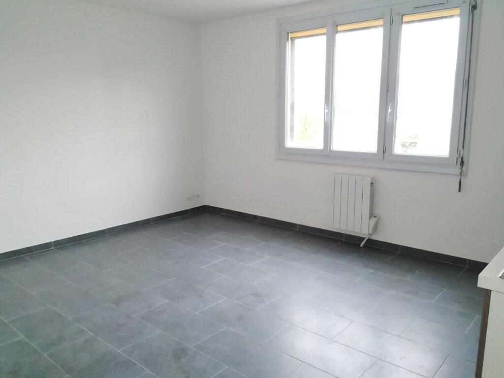 Appartement à louer 2 34.32m2 à Clairoix vignette-3