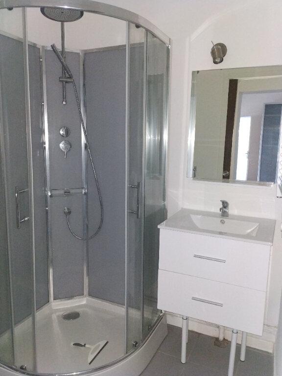 Appartement à louer 1 23.56m2 à Compiègne vignette-3