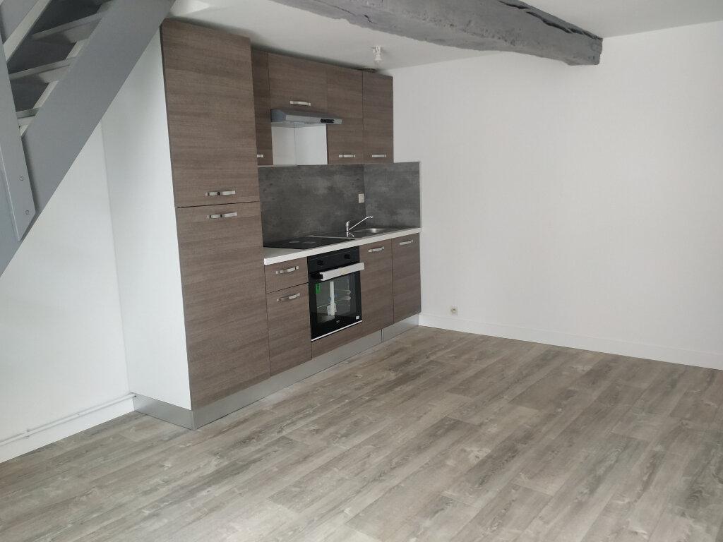 Appartement à louer 2 32.58m2 à Le Plessis-Brion vignette-1