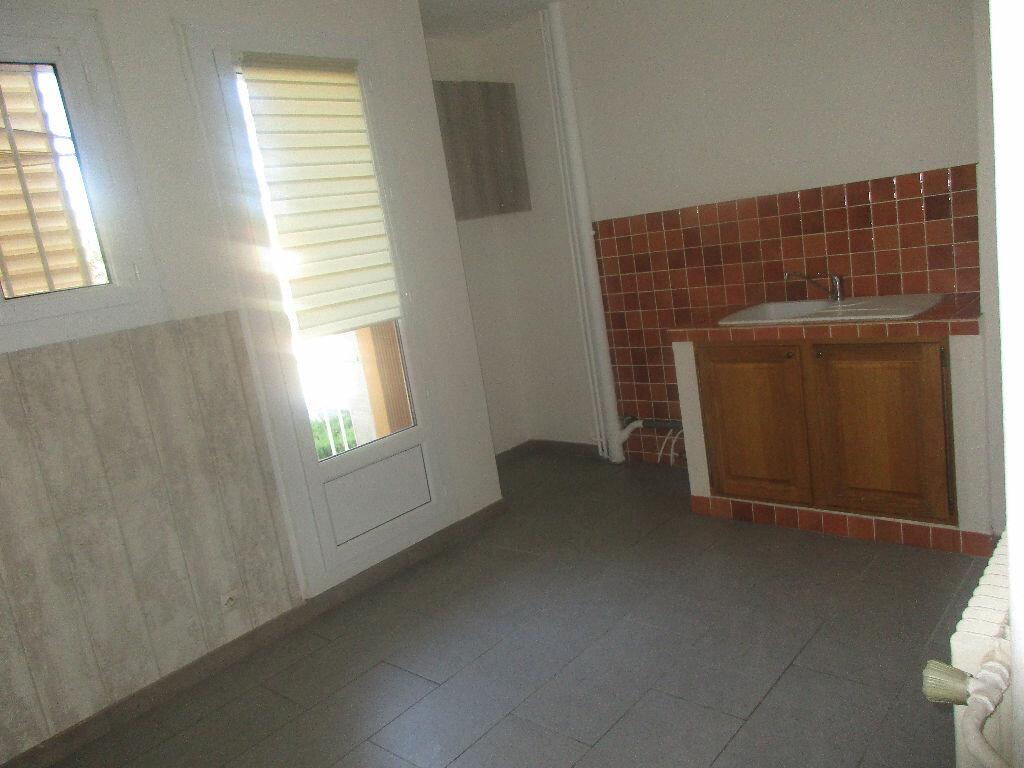 Appartement à louer 3 65m2 à Gardanne vignette-4