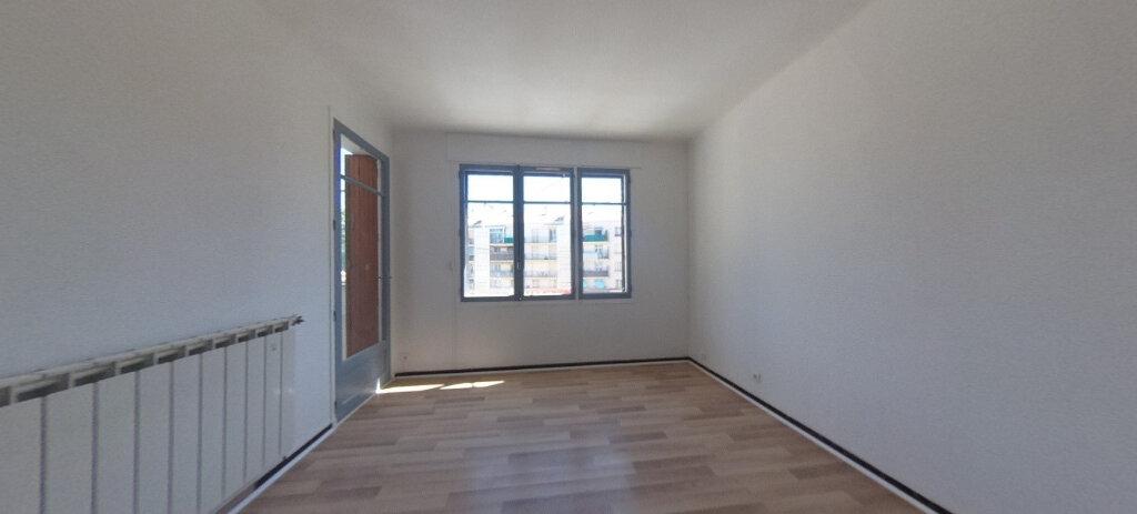 Appartement à louer 4 80m2 à Aix-en-Provence vignette-1