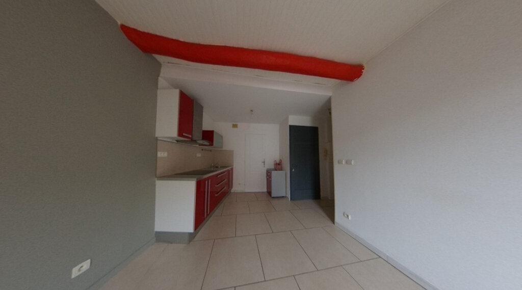 Appartement à louer 2 33.1m2 à Gardanne vignette-2