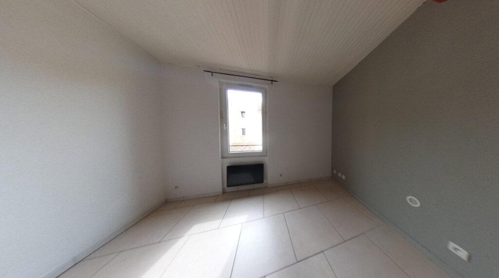 Appartement à louer 2 33.1m2 à Gardanne vignette-4
