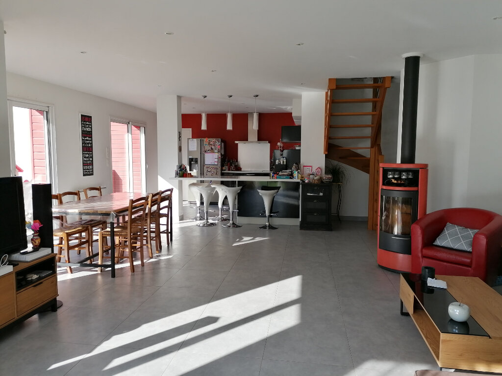 Maison à vendre 5 157.5m2 à La Turballe vignette-4