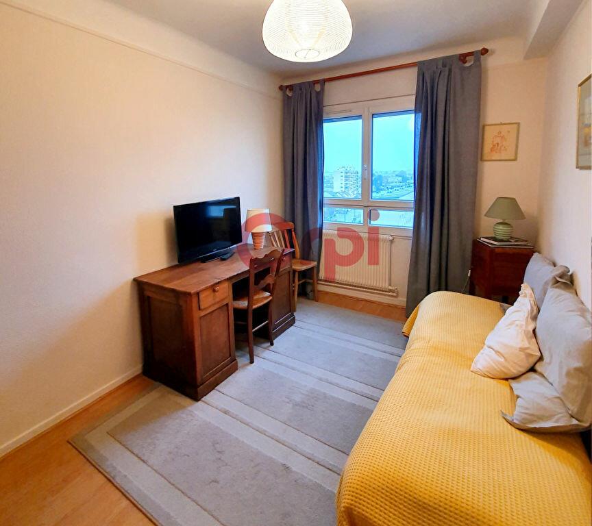 Appartement à louer 5 78.25m2 à Sartrouville vignette-4
