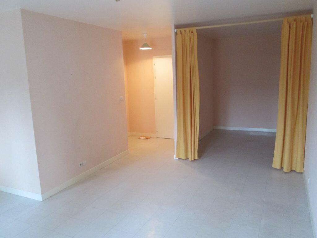 Appartement à louer 1 34m2 à Romorantin-Lanthenay vignette-4