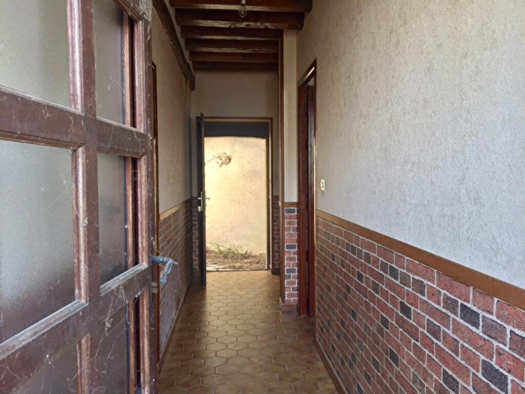 Maison à vendre 4 100m2 à La Chapelle-Montmartin vignette-5