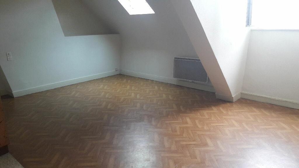 Appartement à louer 1 25m2 à Romorantin-Lanthenay vignette-2