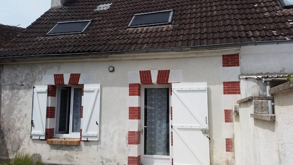 Maison à louer 2 51m2 à Pruniers-en-Sologne vignette-1