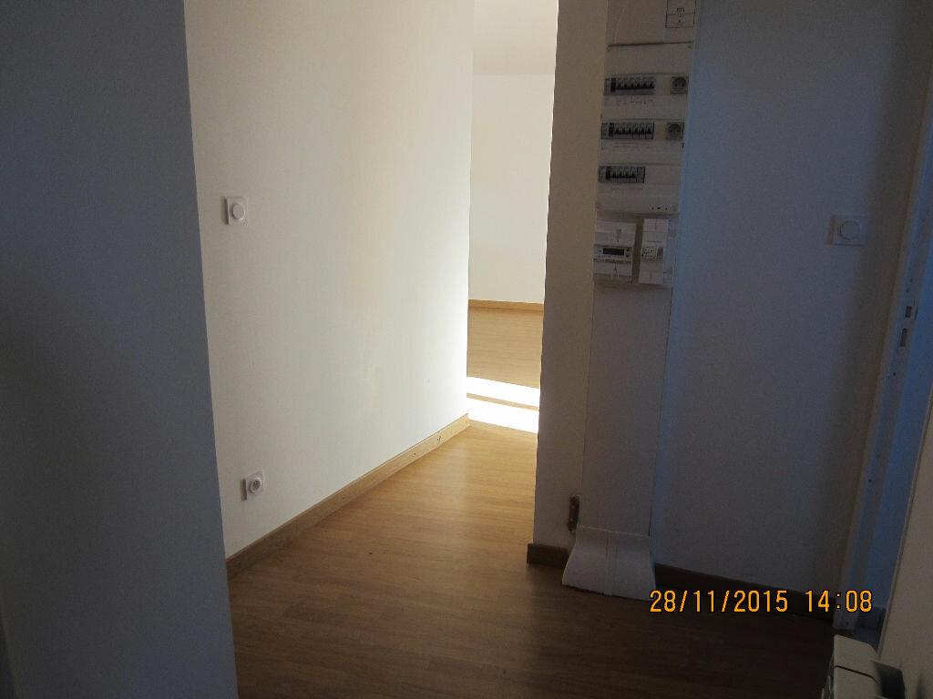 Appartement à louer 3 48m2 à Romorantin-Lanthenay vignette-6