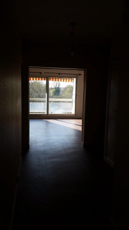 Appartement à louer 4 120m2 à Romorantin-Lanthenay vignette-7