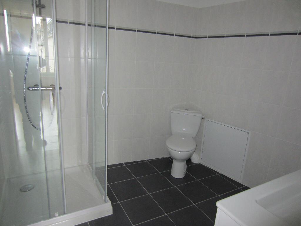 Appartement à louer 1 27m2 à Romorantin-Lanthenay vignette-2