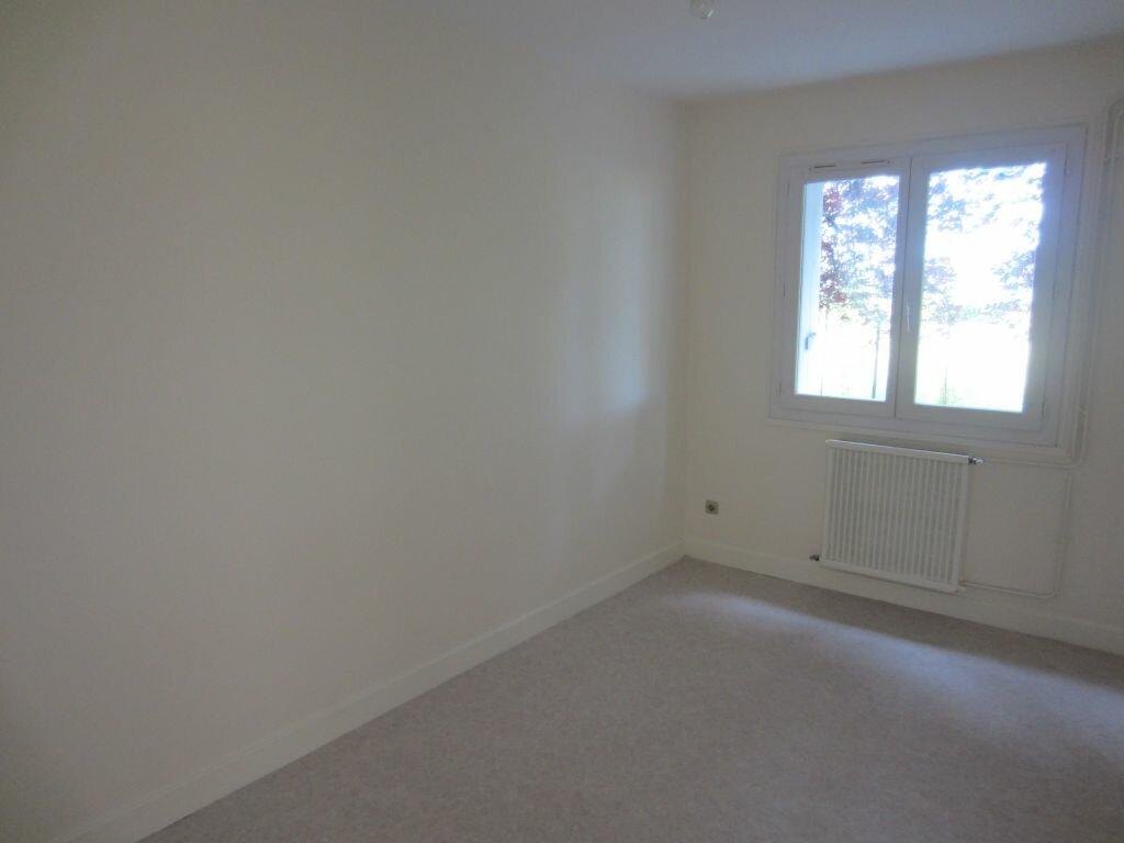 Appartement à louer 3 71m2 à Romorantin-Lanthenay vignette-2