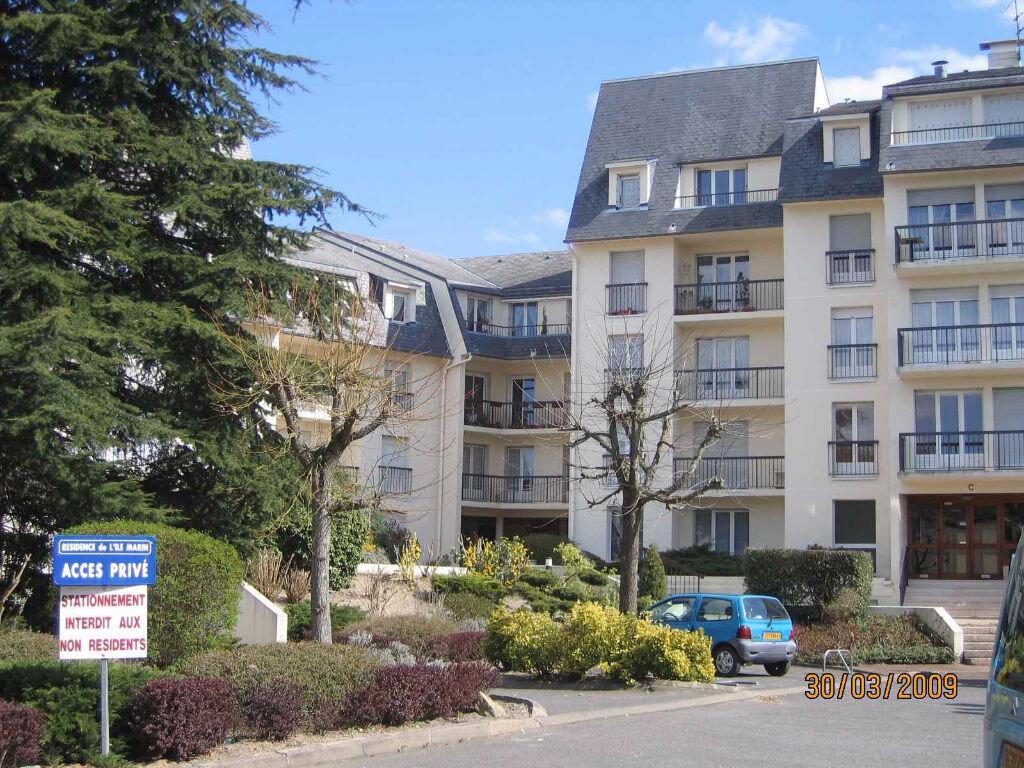 Appartement à louer 2 50m2 à Romorantin-Lanthenay vignette-1