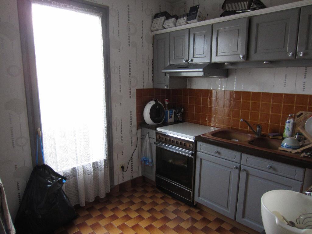 Appartement à louer 2 50m2 à Romorantin-Lanthenay vignette-2