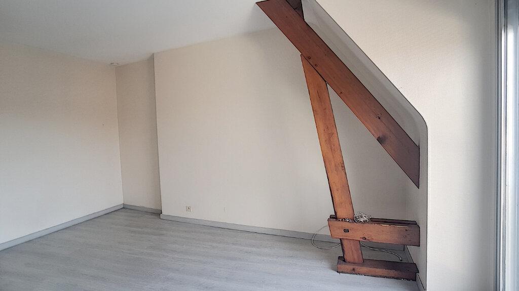 Appartement à louer 1 30m2 à Selles-sur-Cher vignette-4