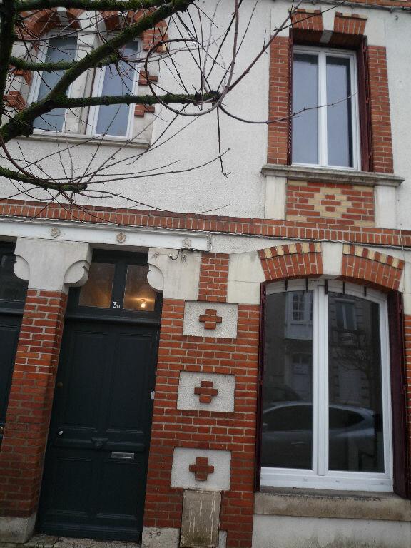 Maison à louer 4 90m2 à Romorantin-Lanthenay vignette-1
