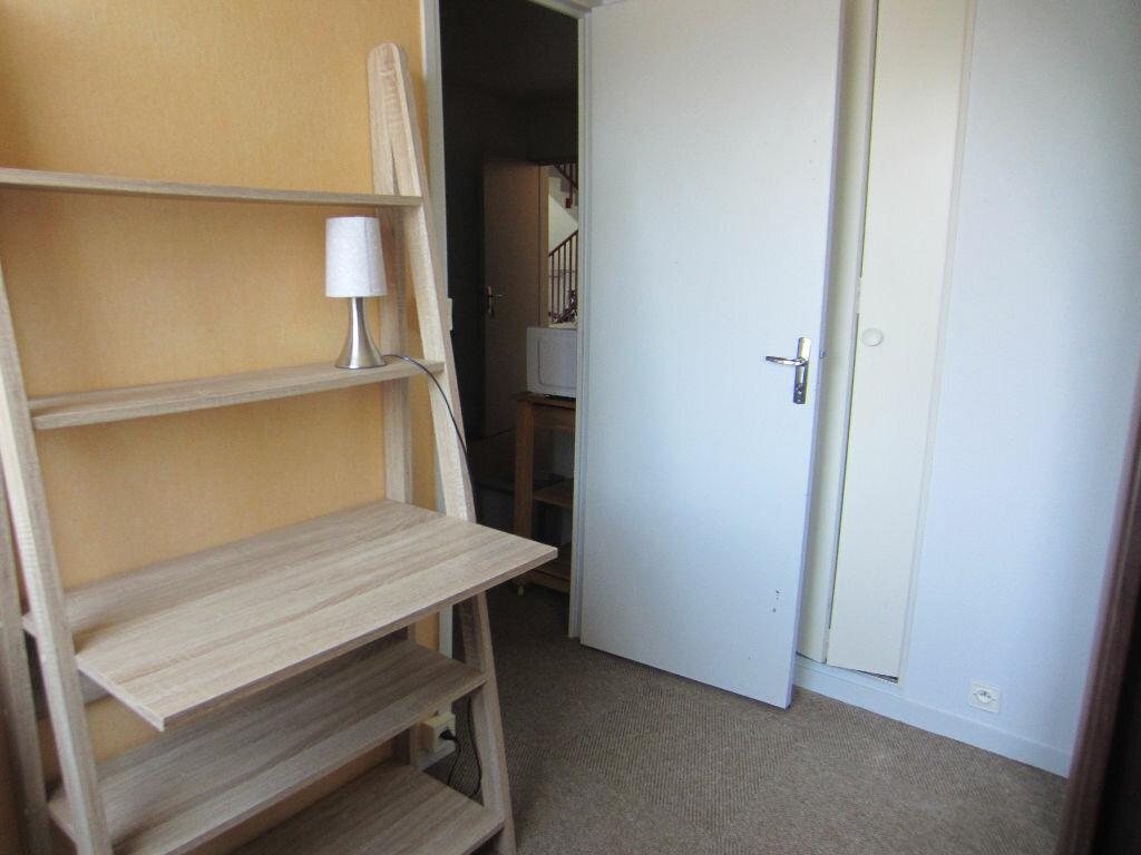 Appartement à louer 2 24.4m2 à Romorantin-Lanthenay vignette-3