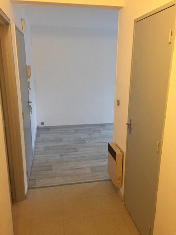Appartement à louer 2 30.2m2 à Romorantin-Lanthenay vignette-4