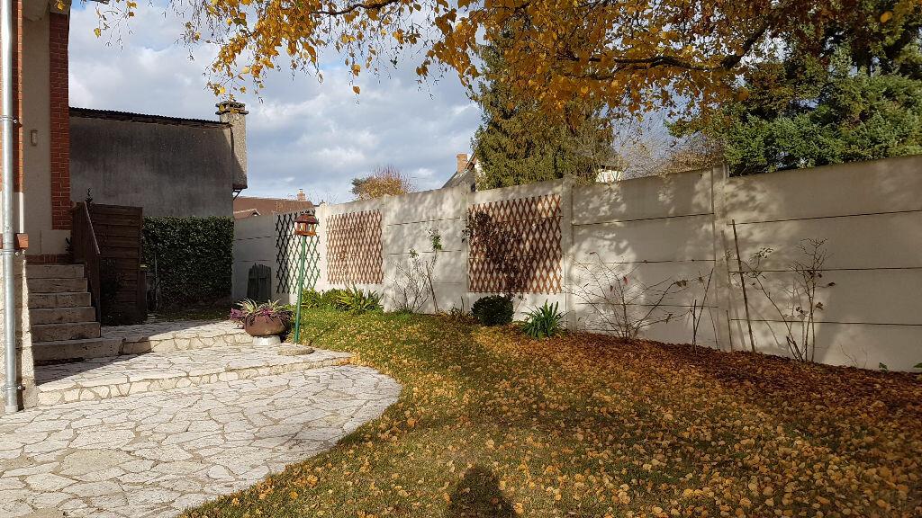 Maison à vendre 5 109m2 à Romorantin-Lanthenay vignette-9