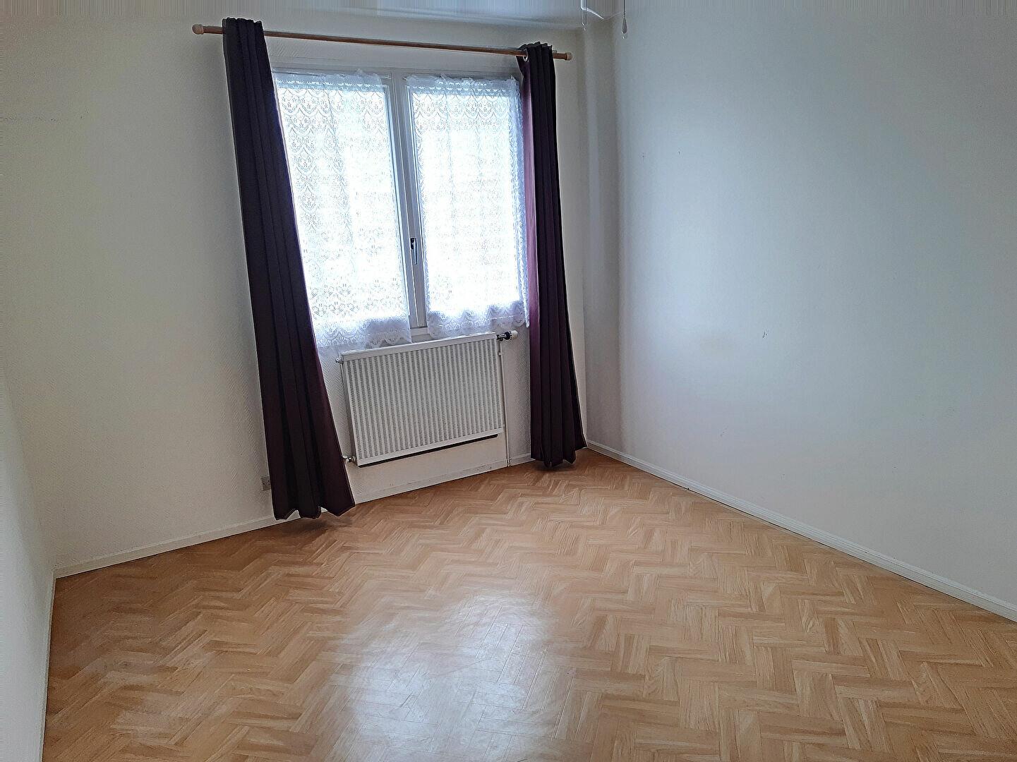 Maison à vendre 4 75m2 à Romorantin-Lanthenay vignette-5
