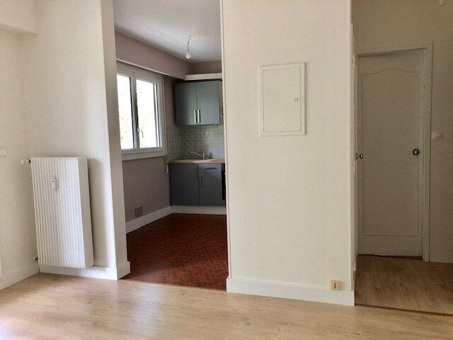 Appartement à louer 1 25m2 à Romorantin-Lanthenay vignette-9