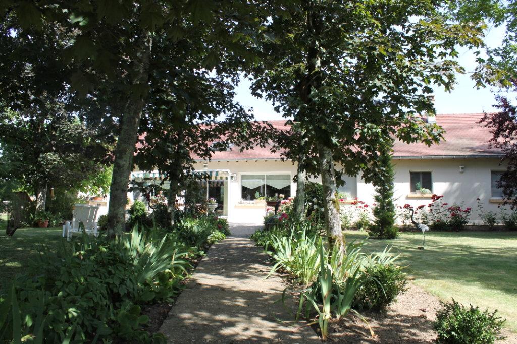 Maison à vendre 8 210m2 à Genouilly vignette-3
