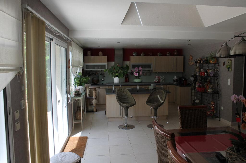 Maison à vendre 8 210m2 à Genouilly vignette-7