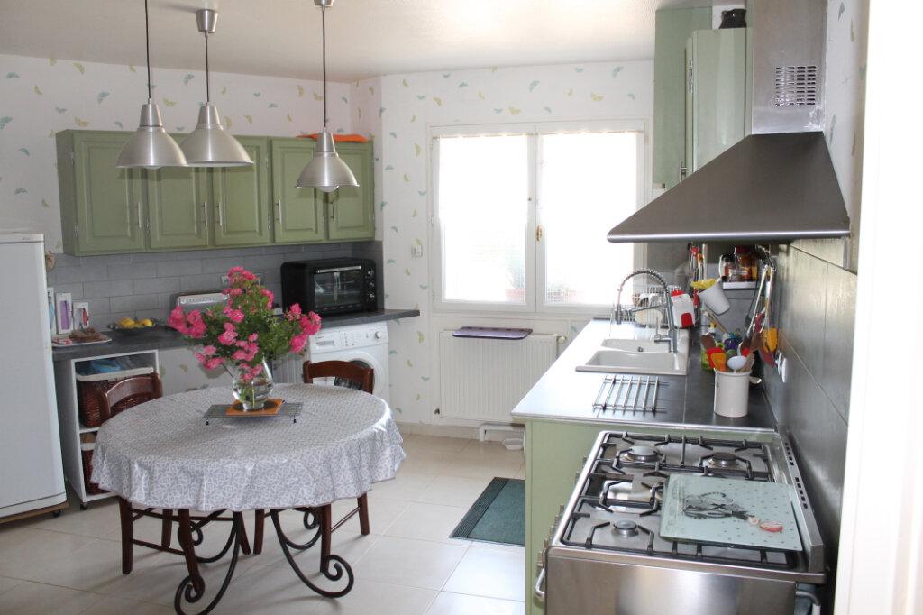 Maison à vendre 8 210m2 à Genouilly vignette-9