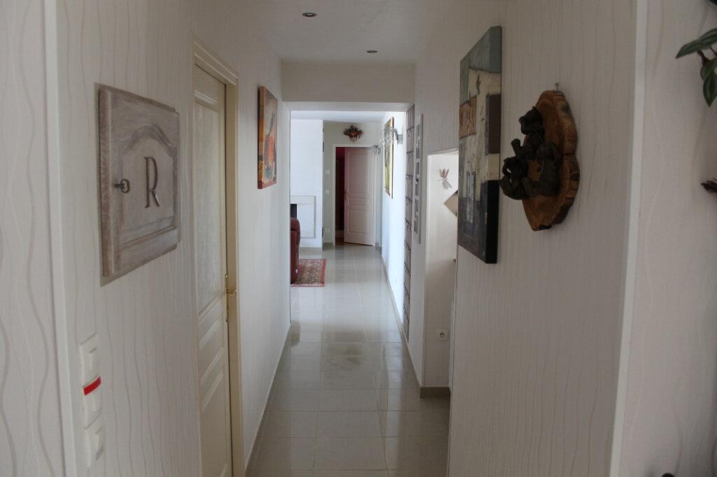 Maison à vendre 8 210m2 à Genouilly vignette-10