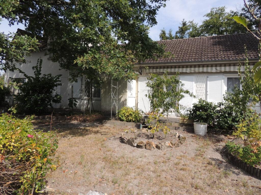 Maison à vendre 5 130.17m2 à Gièvres vignette-3