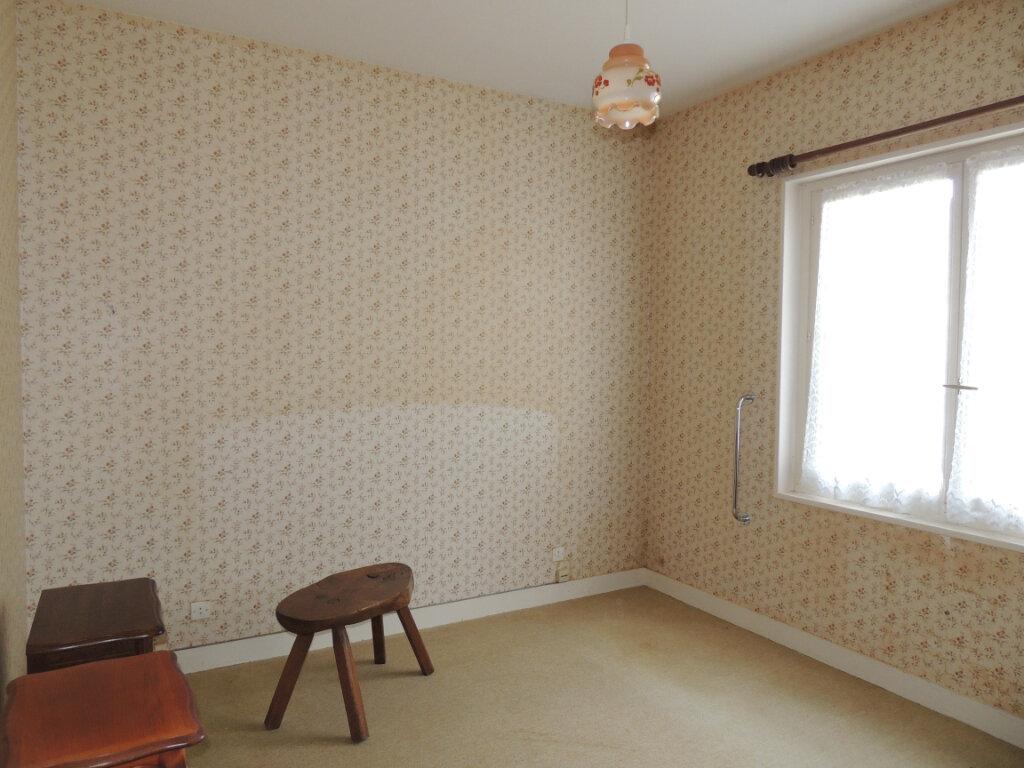 Maison à vendre 5 130.17m2 à Gièvres vignette-5
