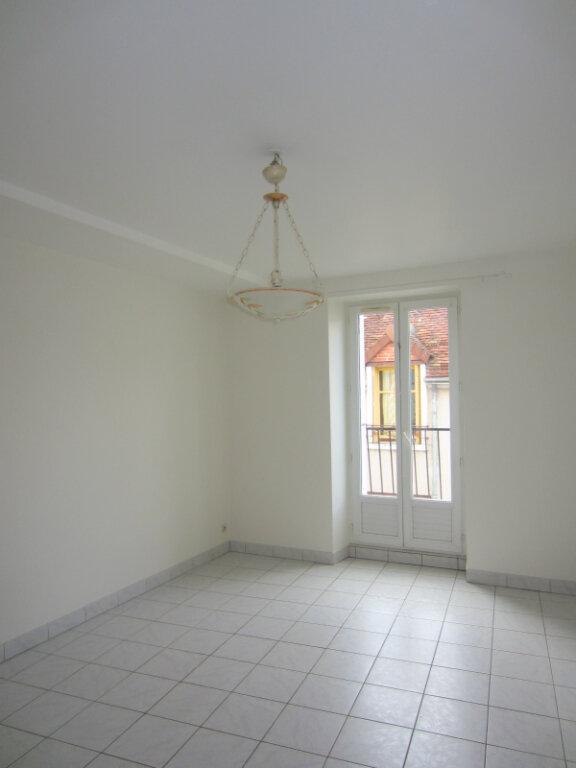 Appartement à louer 3 55m2 à Selles-sur-Cher vignette-1