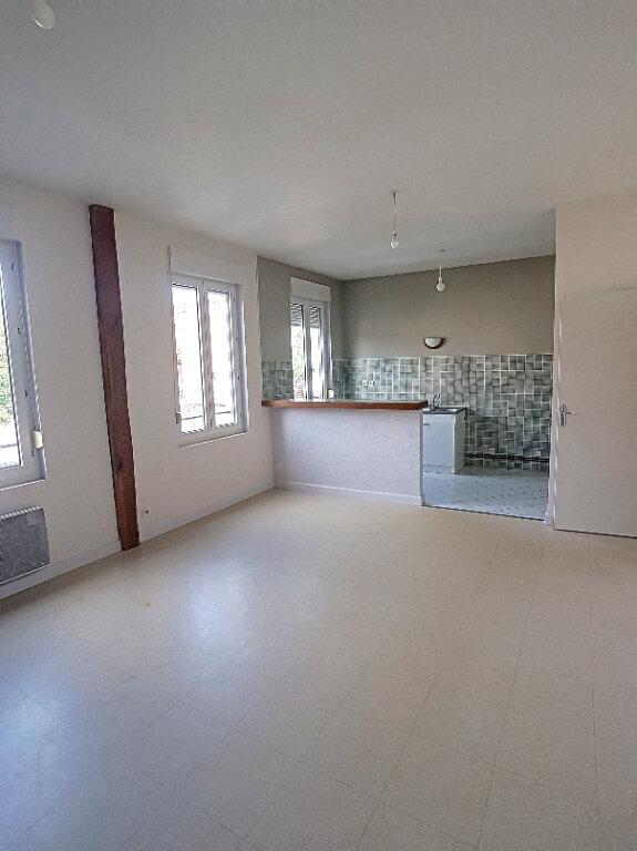 Appartement à louer 3 63.73m2 à Selles-sur-Cher vignette-3