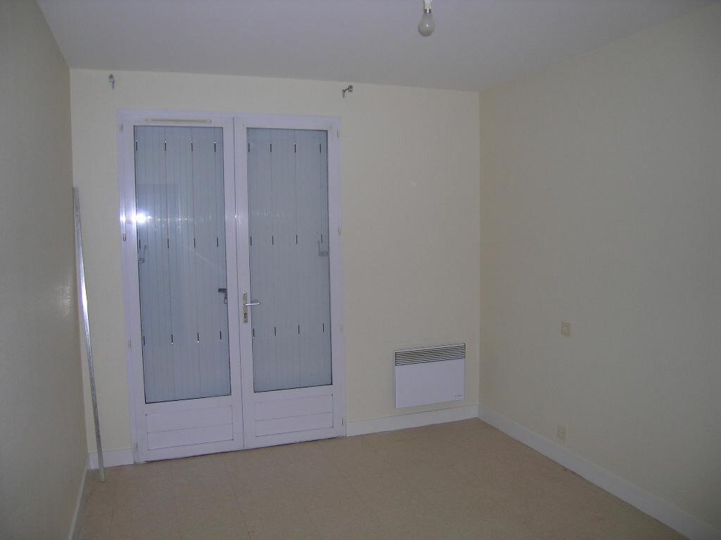 Appartement à louer 2 -1m2 à Selles-sur-Cher vignette-4