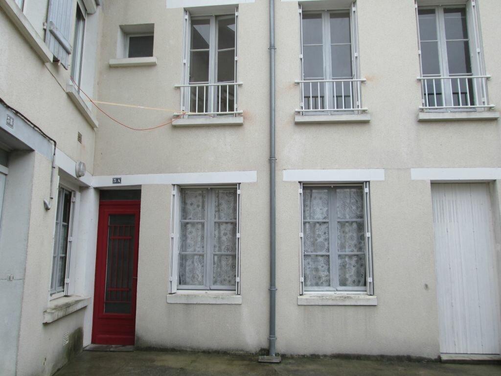 Appartement à louer 3 74.22m2 à Romorantin-Lanthenay vignette-1