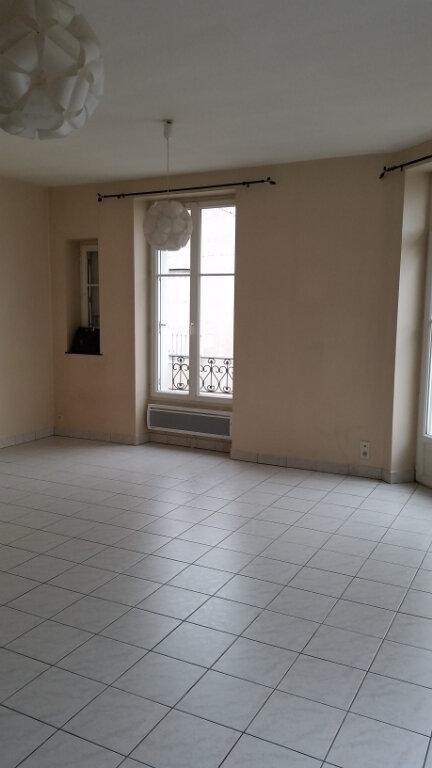 Appartement à louer 2 56m2 à Romorantin-Lanthenay vignette-1