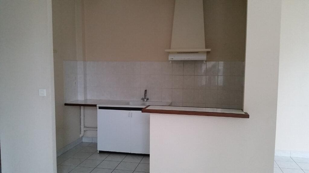Appartement à louer 2 56m2 à Romorantin-Lanthenay vignette-2