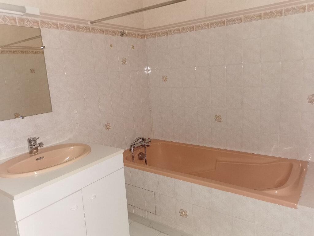 Appartement à louer 3 58m2 à Romorantin-Lanthenay vignette-8