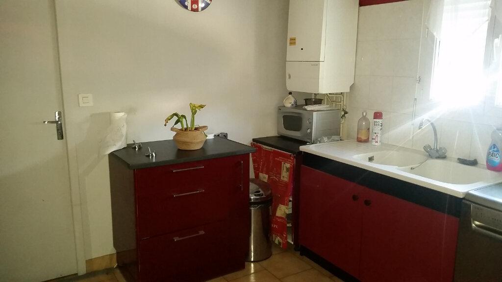 Maison à louer 5 100m2 à Romorantin-Lanthenay vignette-3