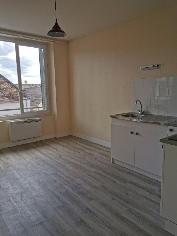 Appartement à louer 1 26m2 à Romorantin-Lanthenay vignette-2