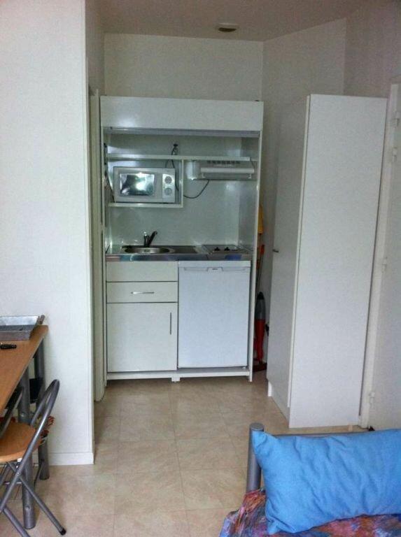 Appartement à louer 1 16m2 à Beauvais vignette-2
