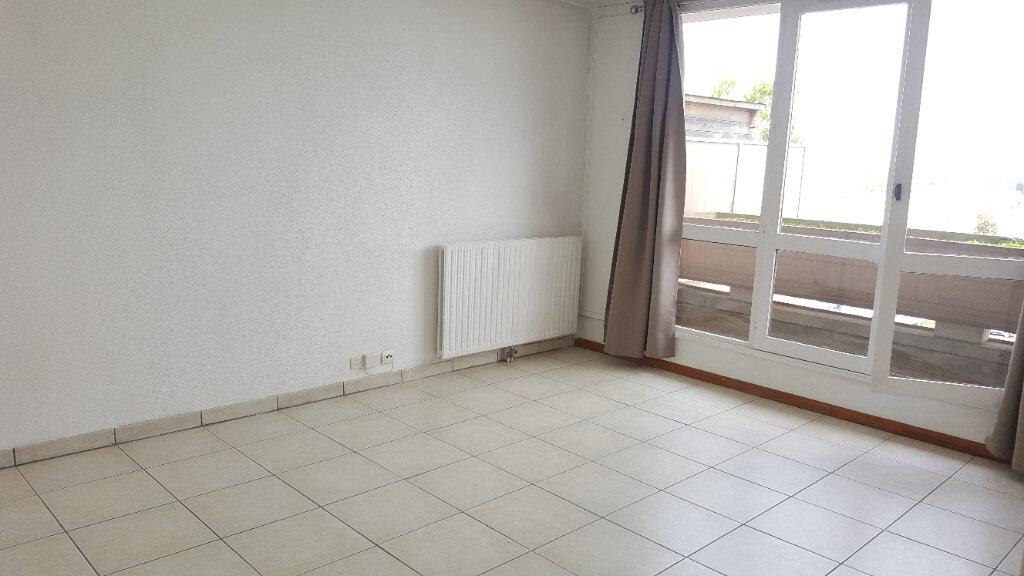 Appartement à louer 1 29m2 à Beauvais vignette-1