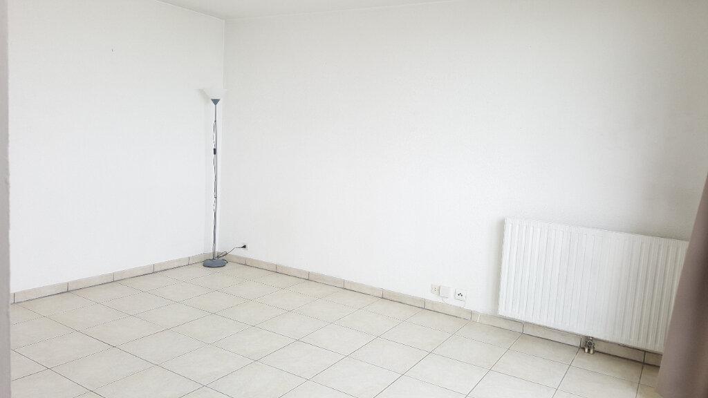 Appartement à louer 1 29m2 à Beauvais vignette-4