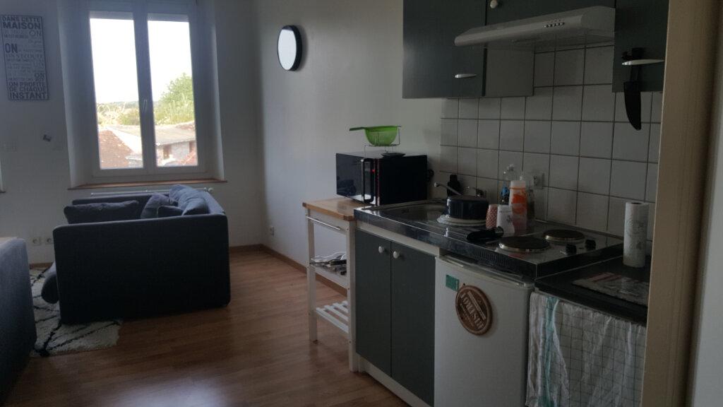 Appartement à louer 2 40.91m2 à Beauvais vignette-2